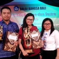 Japanese Literature Lecturer of Arts Faculty of Udayana University Wins the Language and Literature Articles Writing Competition 2016
