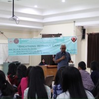 Cancer Care Community of Medical Students of Udayana University Held  a Lung Cancer Seminar on Breathing without Cancer