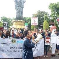KMPT HMKM Unud Held a Peace Rally: World No Tobacco Day