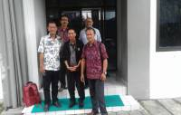 The Comparative Study of UPT Language Lab Unud to the Centre of Language Gajah Mada