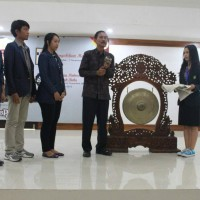 Udayana's Young Leaders  Held  Book Review and Public Speaking Trainings