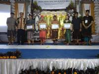 THE COMMUNITY STUDENTS OF BANK INDONESIA UNIVERSITY SCHOLARSHIP ACADEMICS HOLD THE COMPETITIONS OF ARTS AND BALI CULTURAL PERFORMANCE