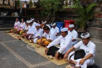Welcoming the 57th  Udayana Anniversary with Matur Piuning and Masedek