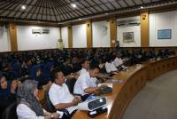 328 STUDENTS OF SMA N 1 WATES VISITED UNUD