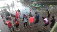 DEDICATED TO THE ENVIRONMENT, PHYSICS STUDENT ASSOCIATONS OF UDAYANA PLANTING MANGROVES