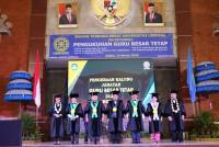 Udayana University Inaugurates Five Permanent Professors, Three of them are from the Medical  Faculty
