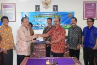 The signing of the Agreement of Cooperation between Institutions of 'Karya Pokphand' with the Faculty of Veterinary Medicine and the Faculty of Animal Husbandry Udayana University.