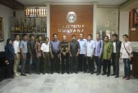 Mulawarman University held a Comparative Study of Remuneration To Unud