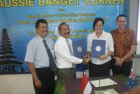 Consul General of Australia Opening 'AussieBanget' Corner in Udayana University