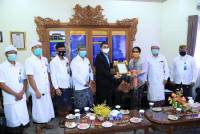 Rector of Udayana University Got Visited by Committee I Member for Legal Affairs of DPD RI Arya Wedakarna