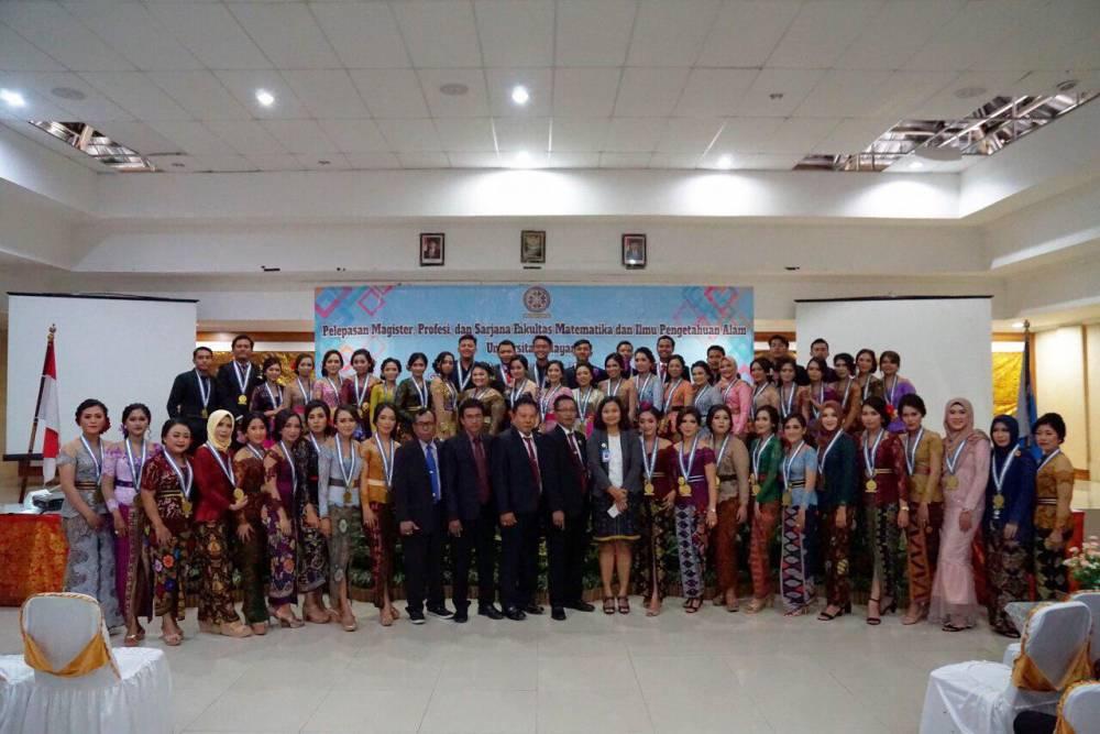 Fakultas Matematika dan Ilmu Pengetahuan Alam Universitas Udayana Melepas Calon Wisudawan Periode ke-133